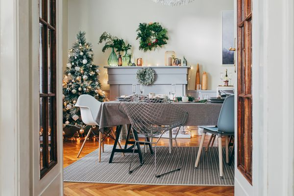 how to buy an artificial christmas tree - dining room with christmas tree and fireplace