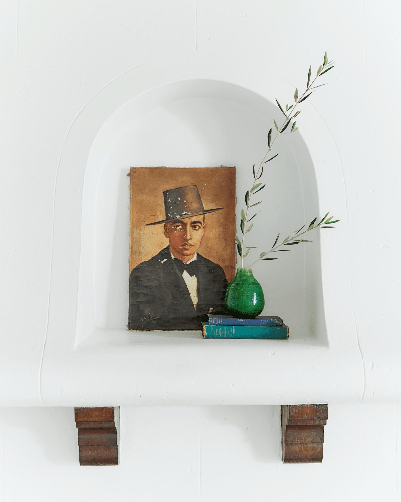 Vintage art in Michael Keck's L.A. living room