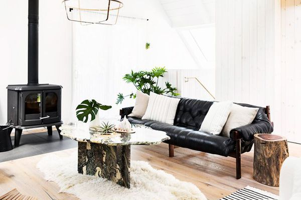 . This Is How a Minimalist Decorates a Home