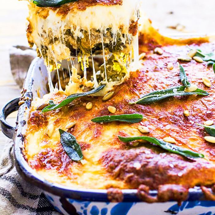 Here Are 8 Crockpot Lasagna Recipes To Try This Week