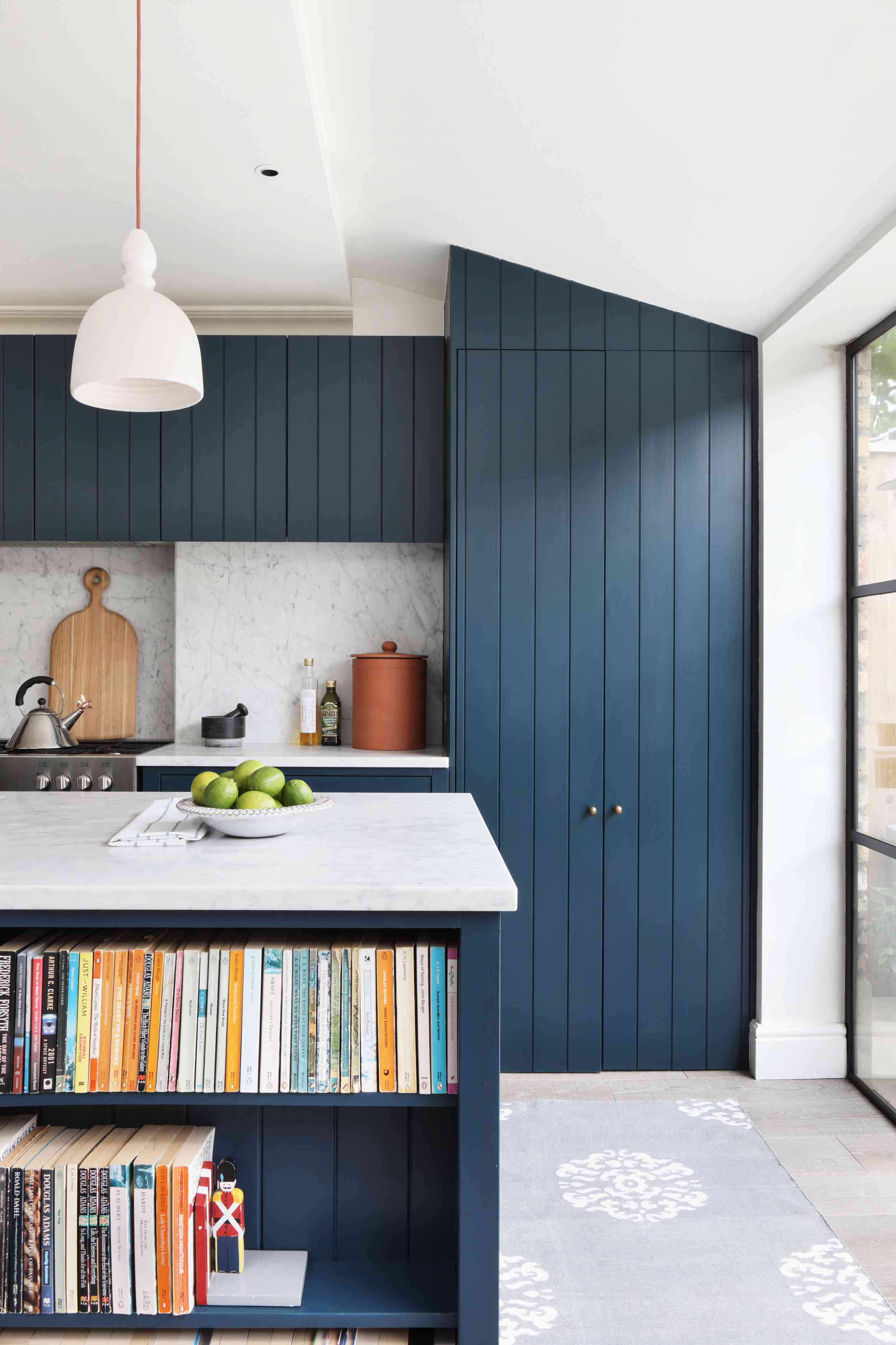 Blue paneling in kitchen