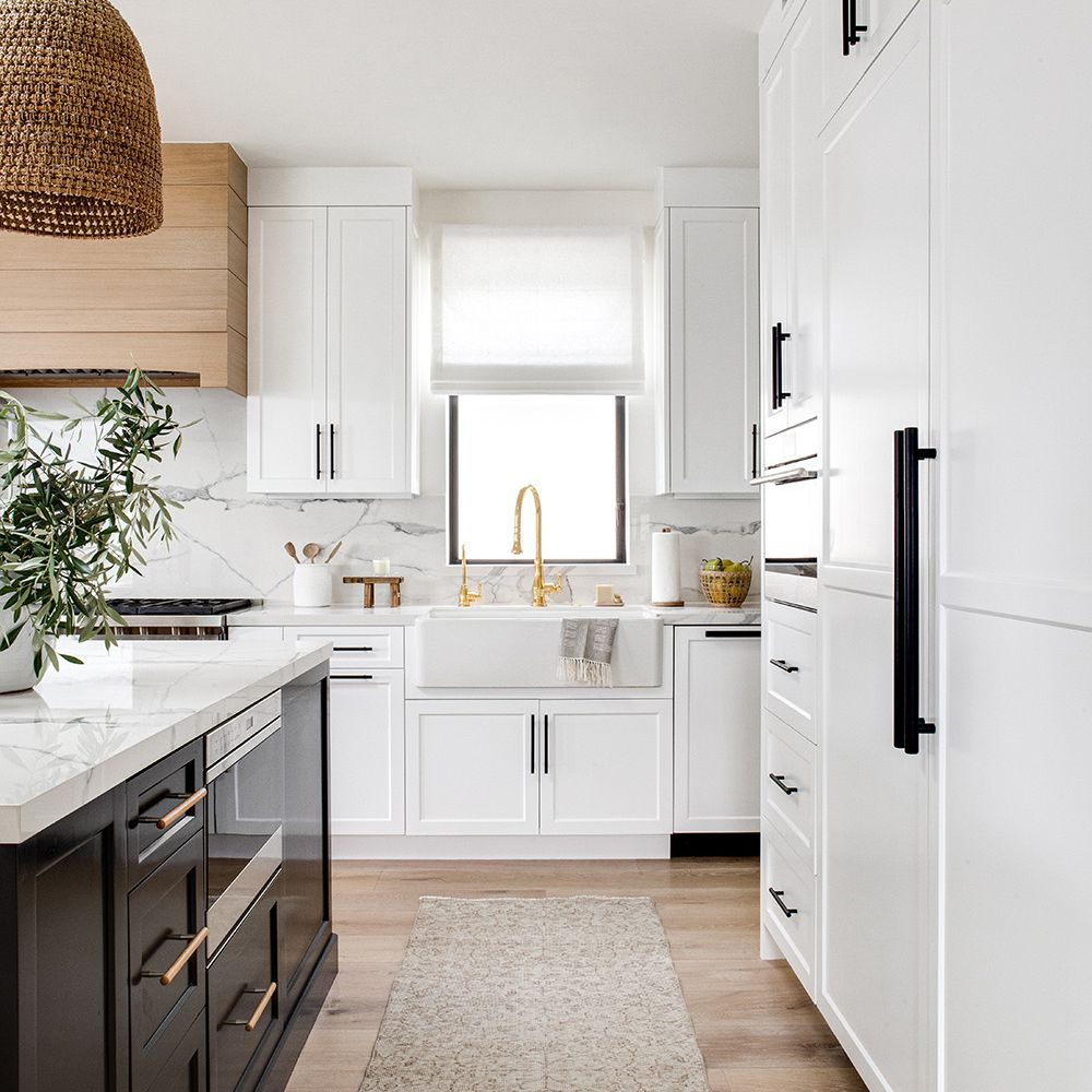 9 Kitchens That Prove White Cabinets Are A Forever Fave