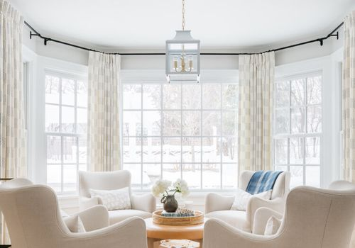 How To Choose Curtains For Bay Windows, Curtain Ideas For Bay Windows In Living Room