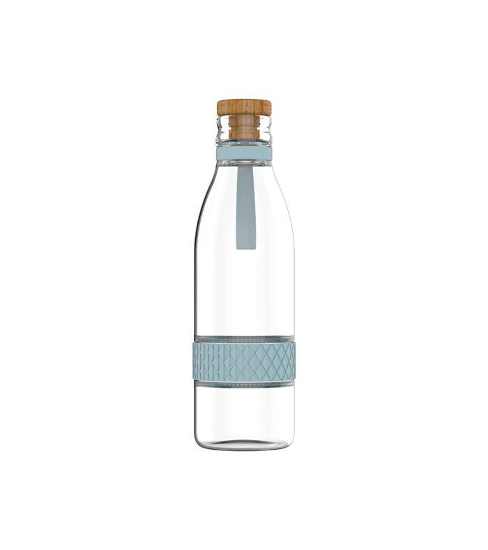 daily routine of successful people - glass infuser