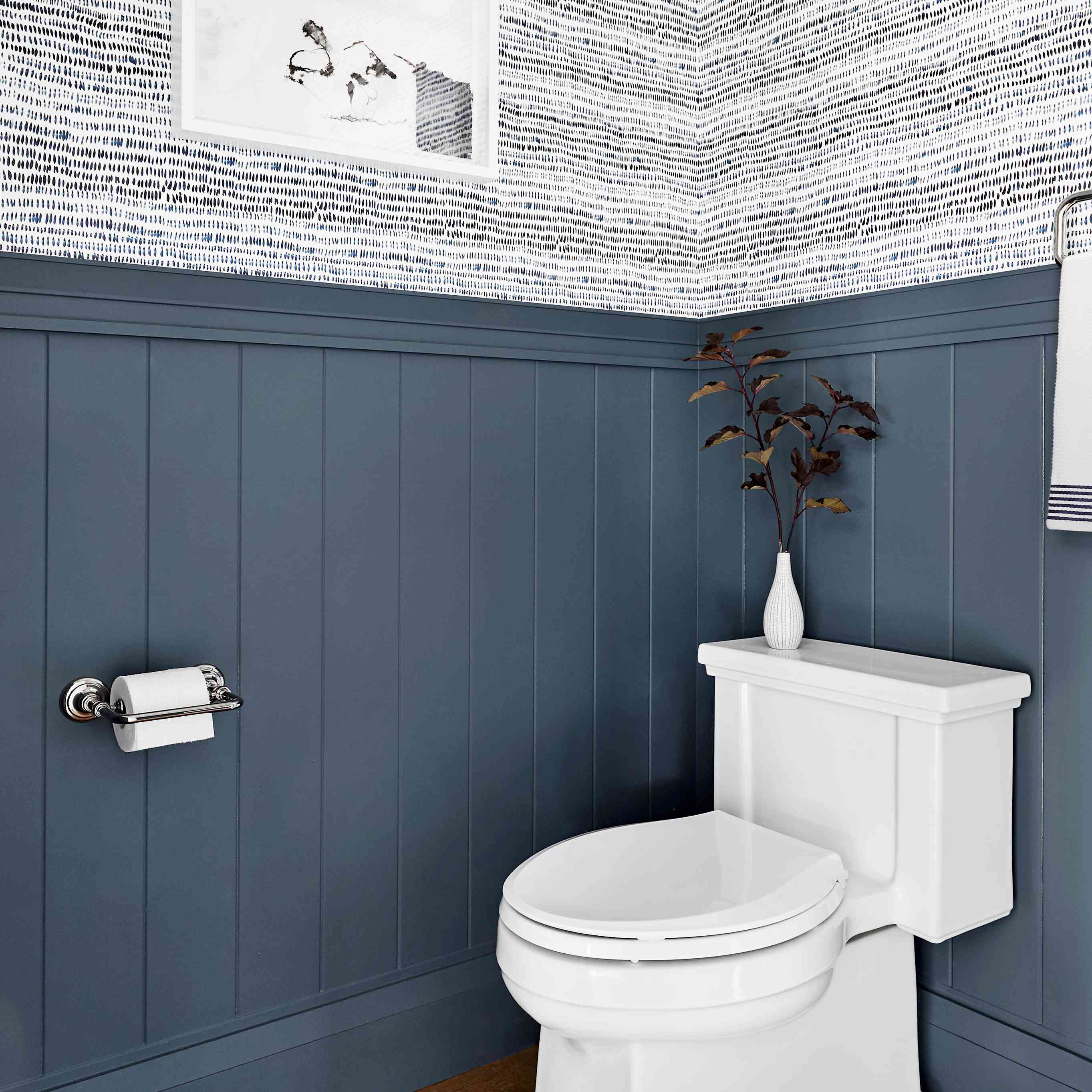 15 Bathrooms With Beautiful Wall Decor, Best Wall Covering For Bathrooms