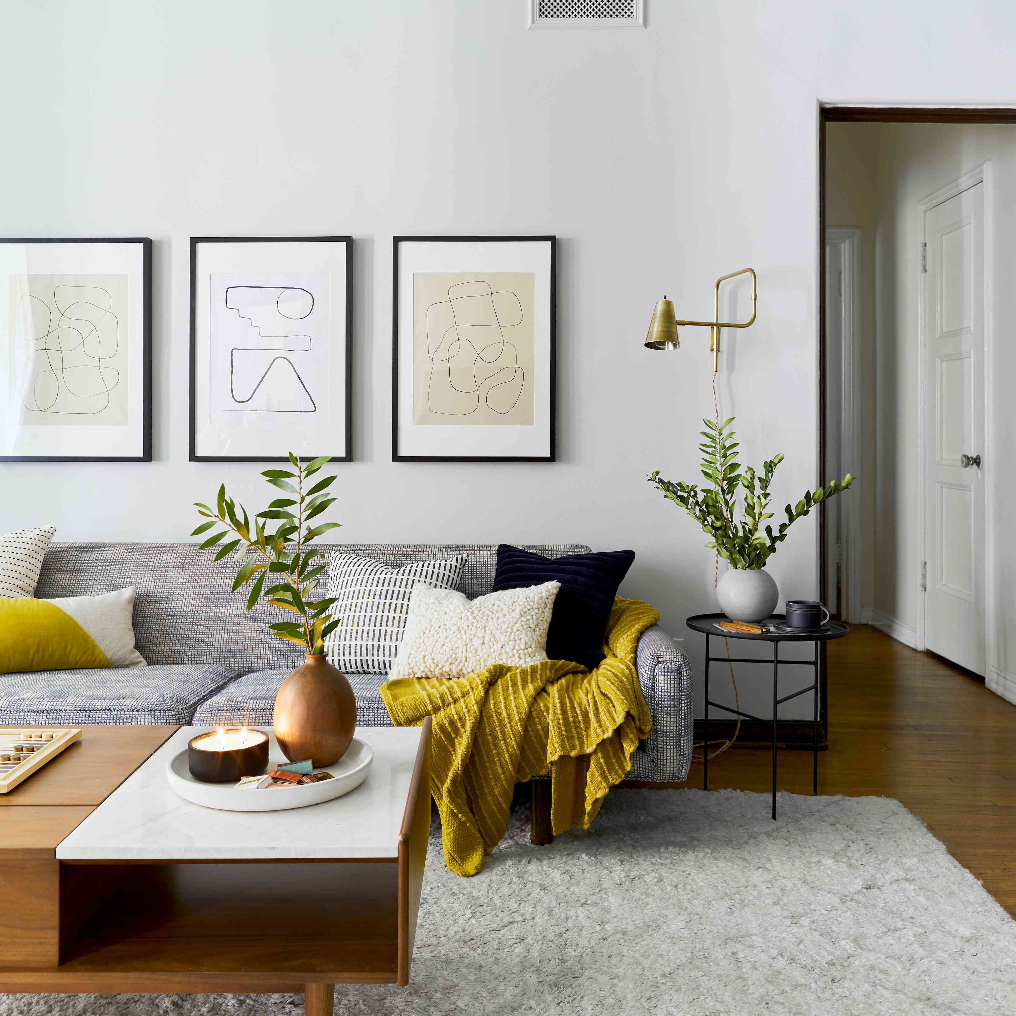 Cozy living room with Mid-Century vibes
