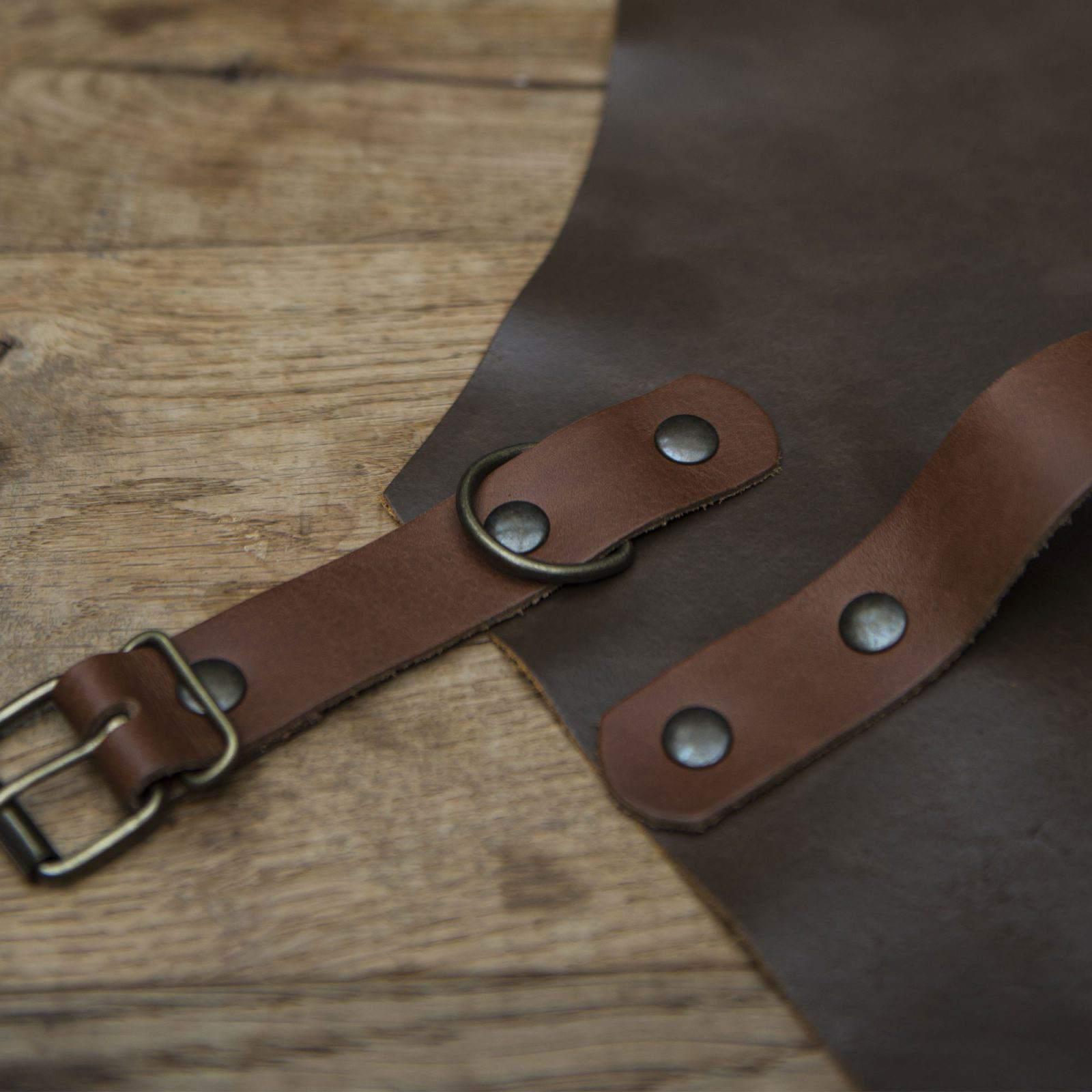 Comebekk leather apron, partial view.