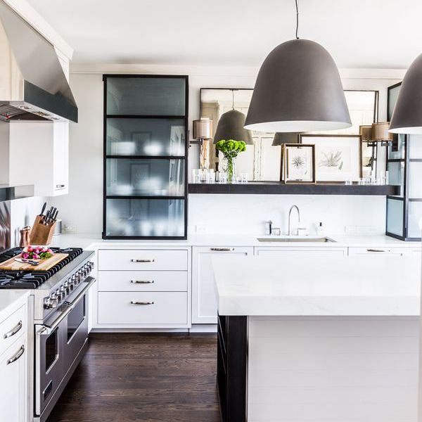 How to Decorate a Kitchen Island in 5 Simple Steps