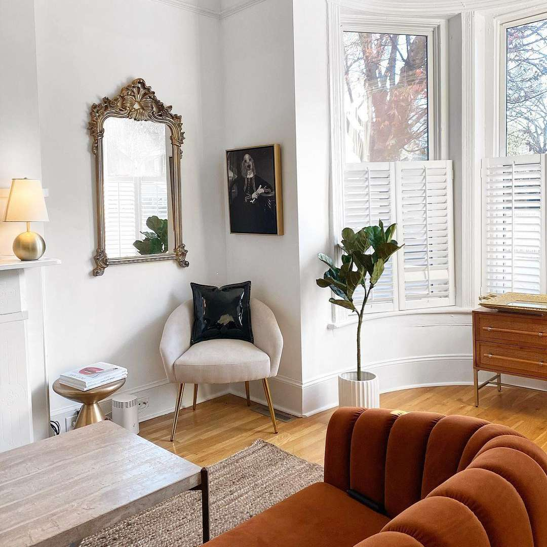 Bright and light living room