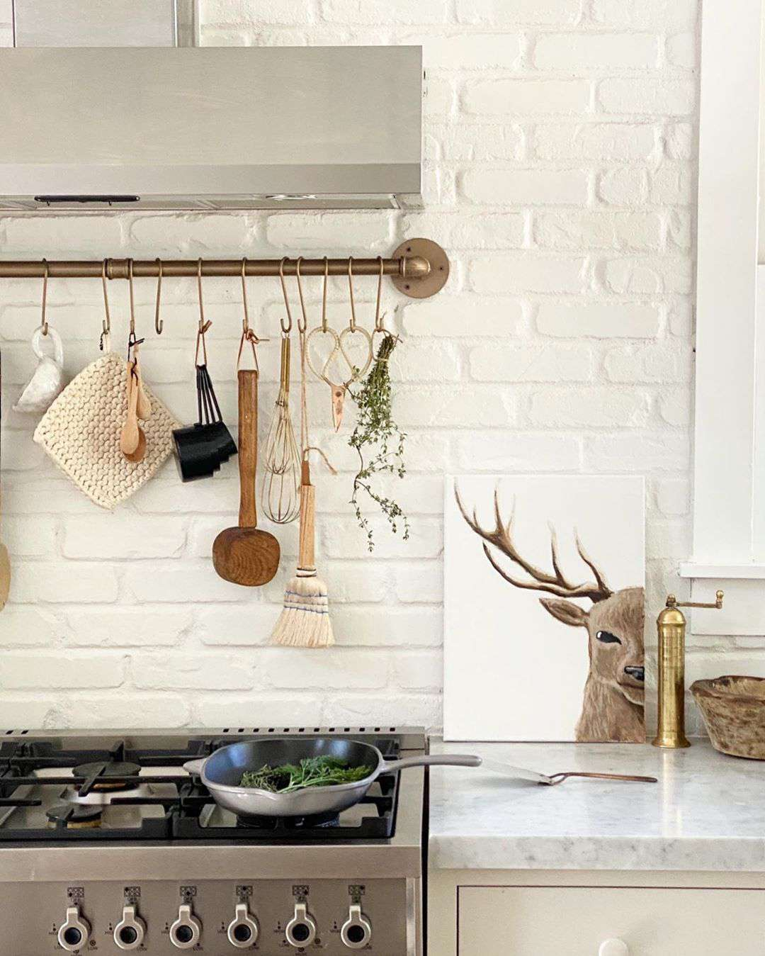 best kitchen ideas - hanging utensils over the stovetop