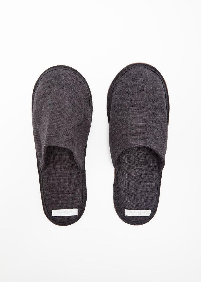 Linen Slippers Graphite Size: Medium