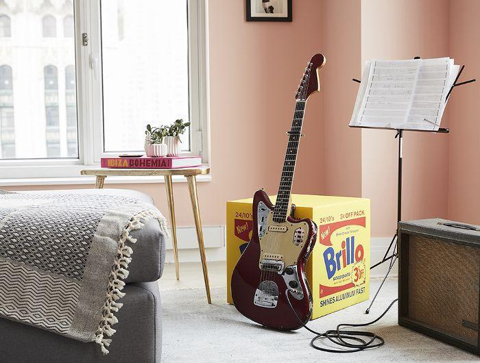Ashley Benson's guitar