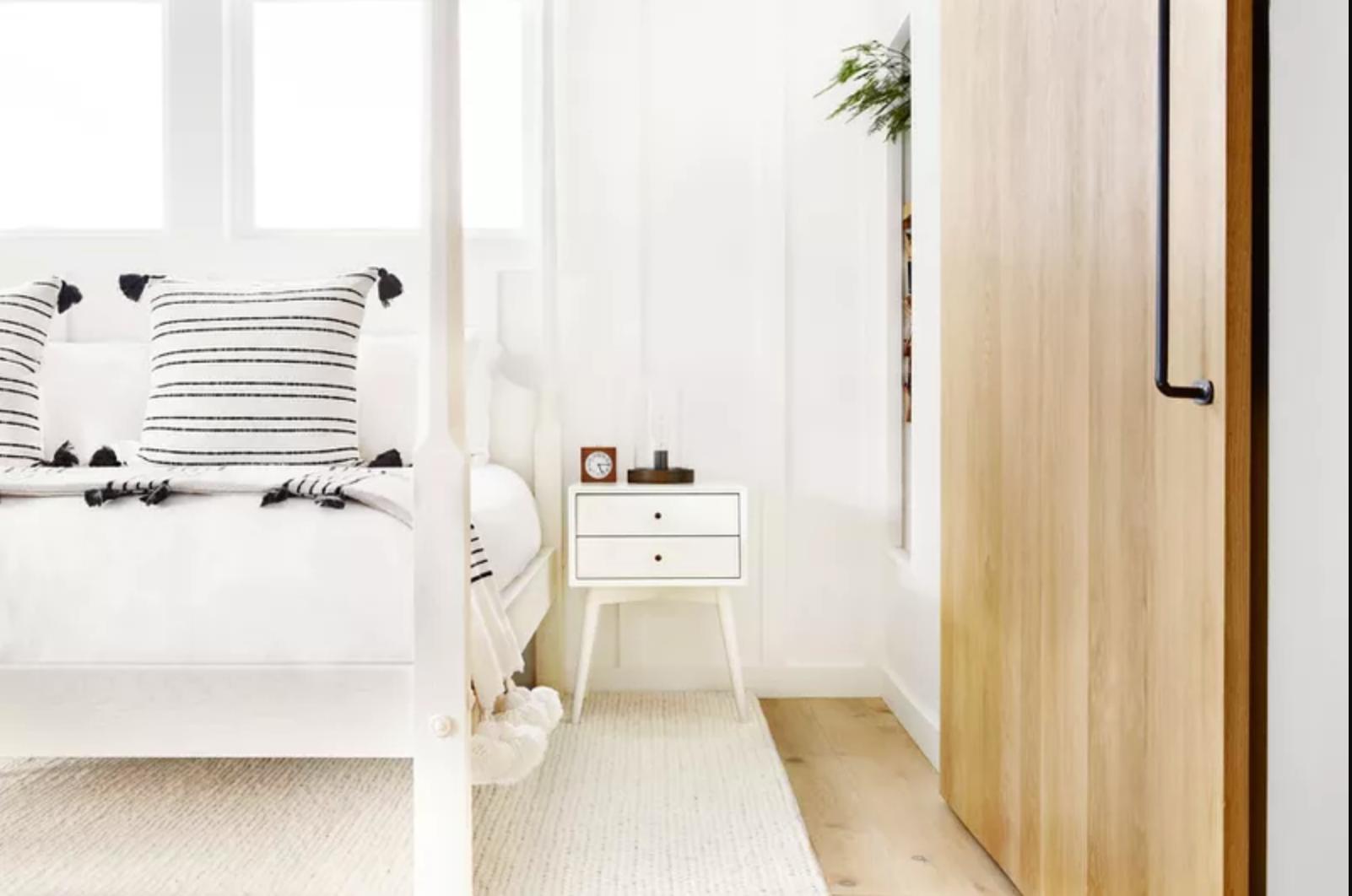 Strange 16 Gorgeous Small Master Bedroom Ideas Beatyapartments Chair Design Images Beatyapartmentscom