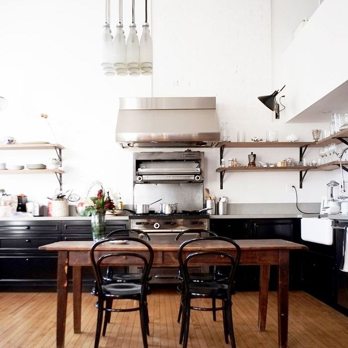4 Elements Could Bring Out Traditional Kitchen Designs: 5 Industrial Kitchens You'll Love
