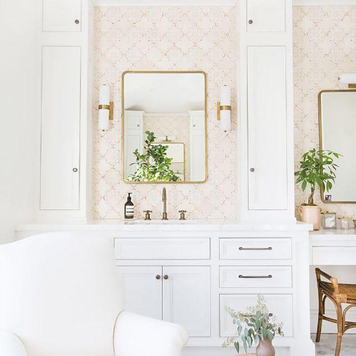10 Best White Bathroom Ideas According To A Designer