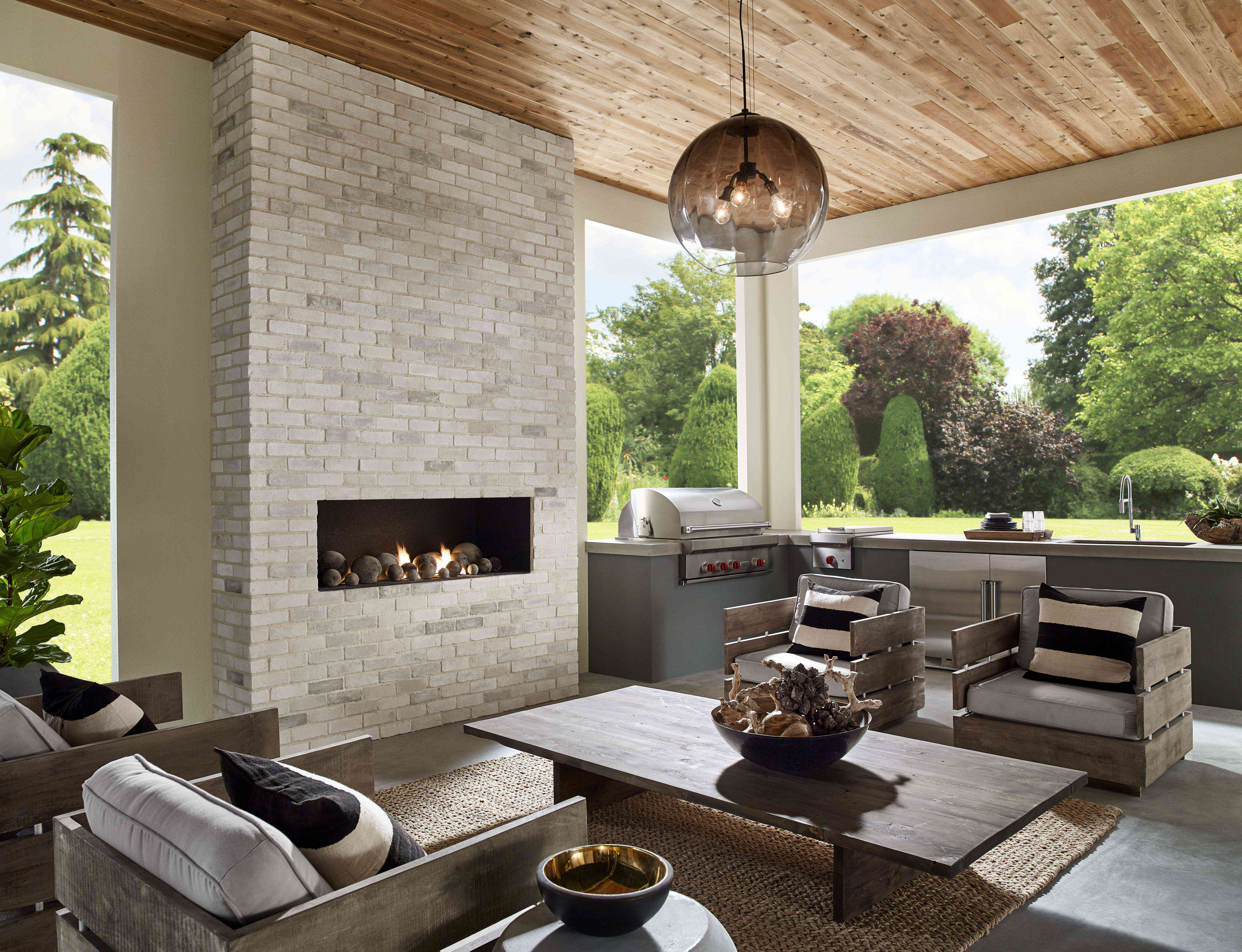 Brown-toned outdoor kitchen
