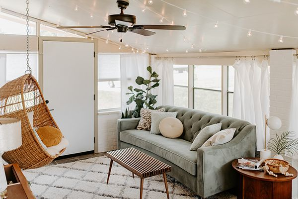 sunroom with hanging chair