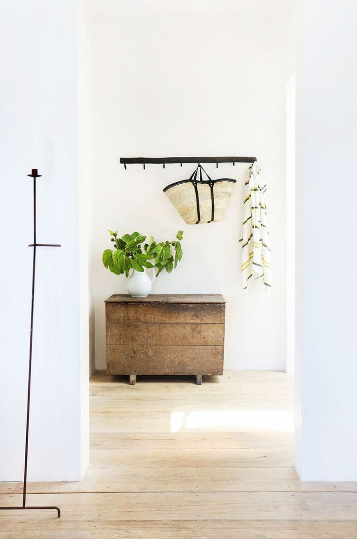 This Is How To Feng Shui Your Entryway Layout