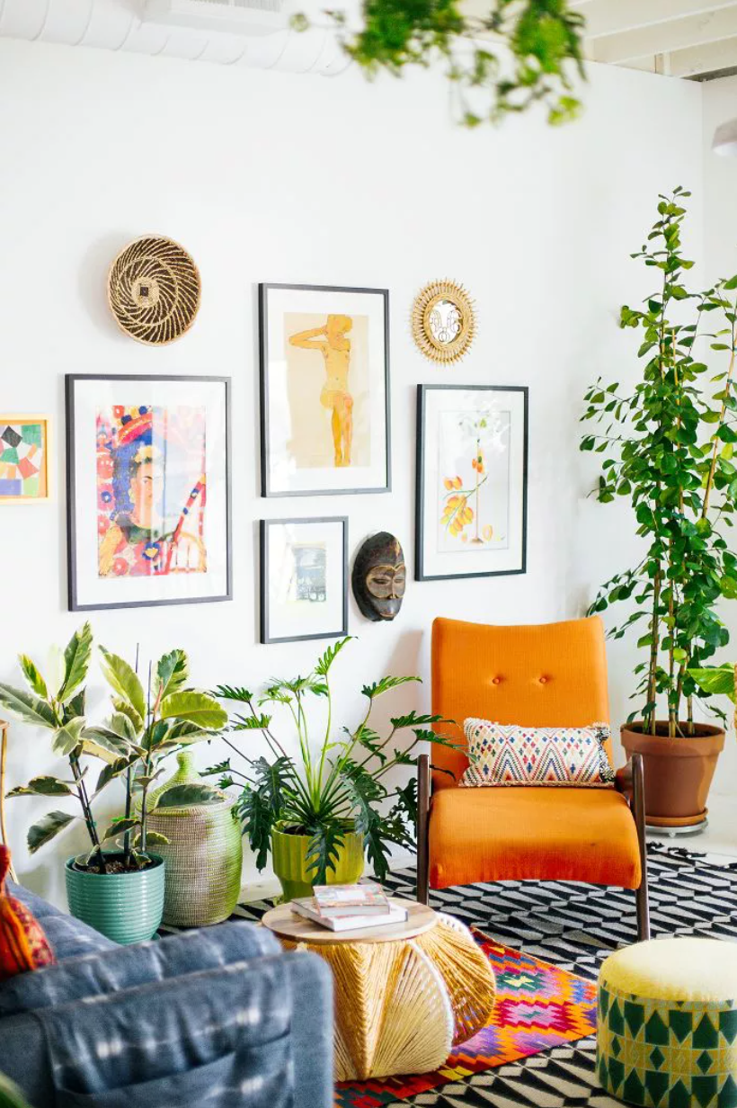 Bohemian living room with colorful mix-and-matched décor