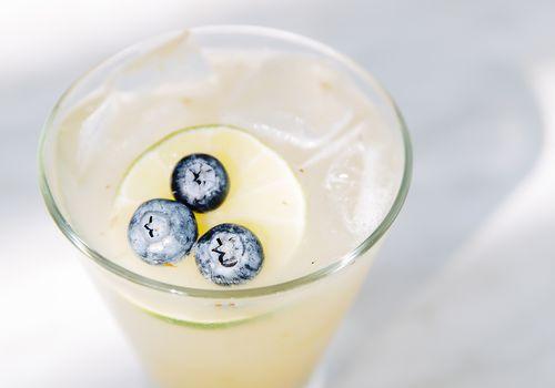 cóctel de limonada bourbon