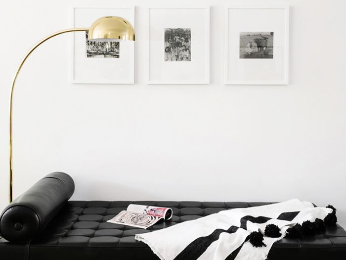 The 40 SmallSpace Hack New Yorkers Swear By Beauteous 5 Bedroom Apartment Nyc Painting
