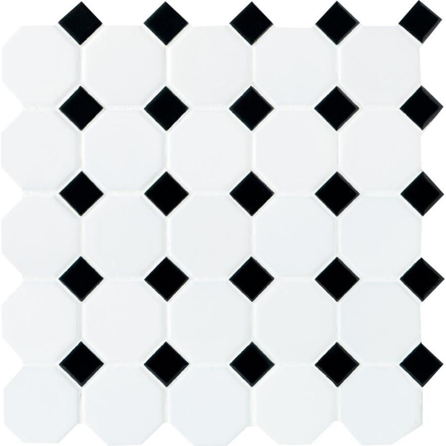 Blanco con baldosas de cerámica con puntos negros: ideas de baldosas para el baño