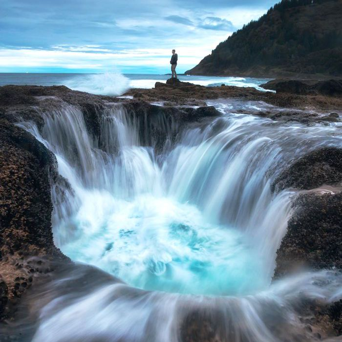 13 Breathtakingly Beautiful Waterfalls Around The World