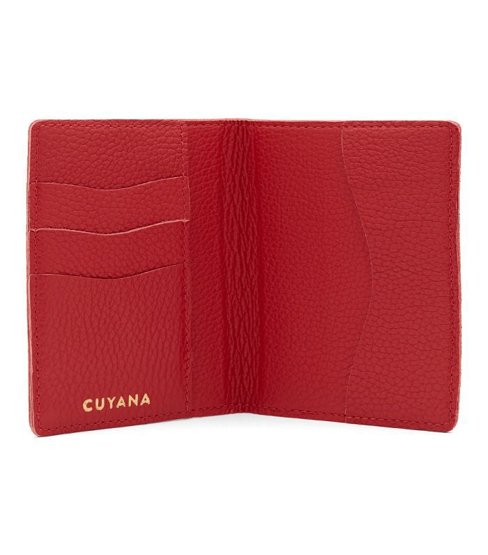 Cuyana Slim Leather Passport Case in Red Pebbled