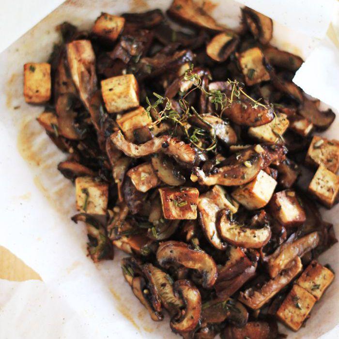 Keto Sheet Pan Recipes - Champiñones y Tofu en Papillote