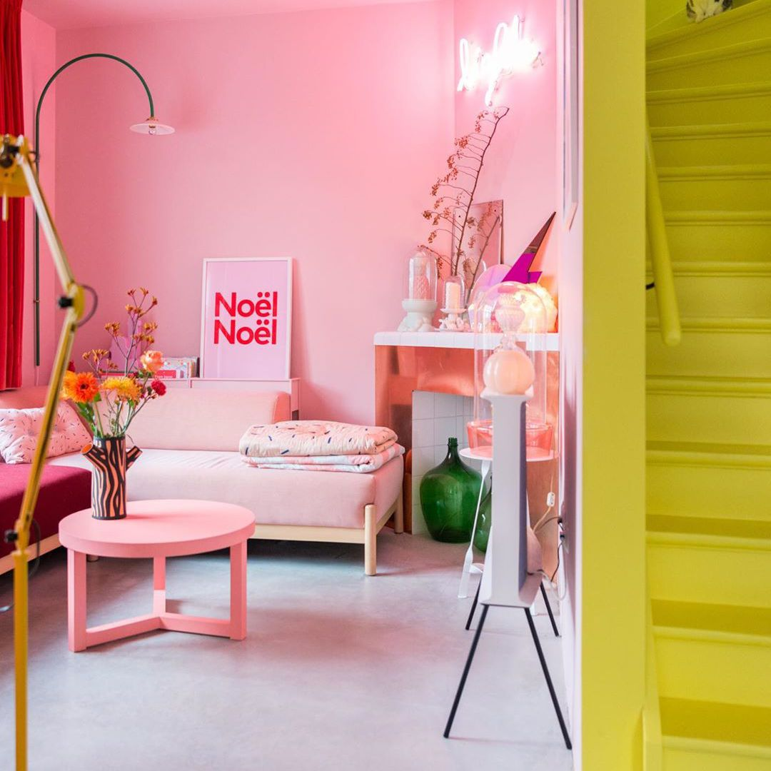 pink living area