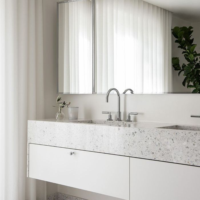 5 of the best small bathroom ideas ever - Small bathroom mirror ideas ...