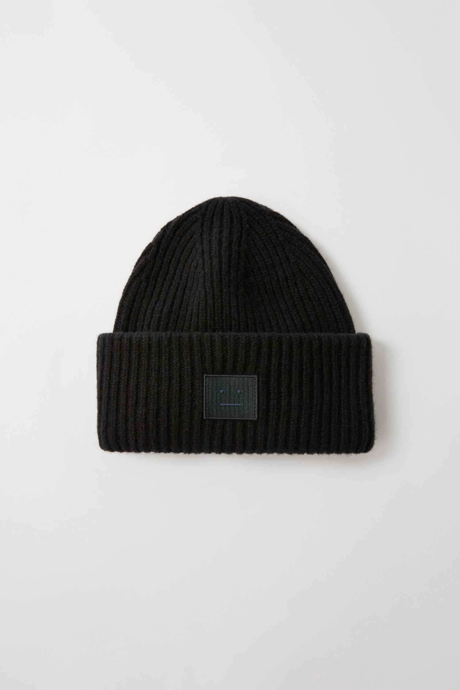 Ribbed Beanie Hat in Black