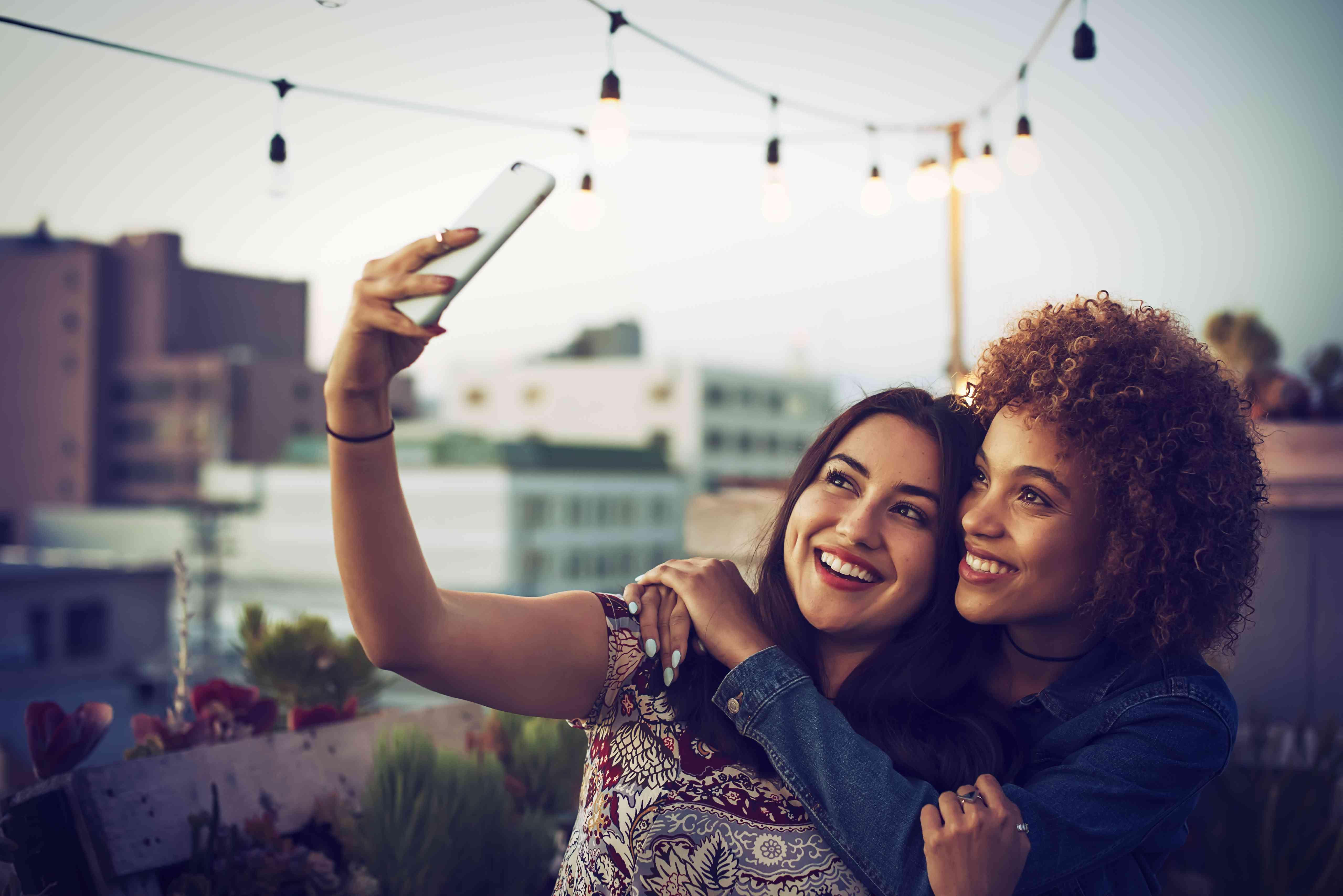 rooftop selfie friends