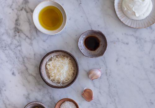 how to store garlic - photo of ingredients in caesar dressing like garlic