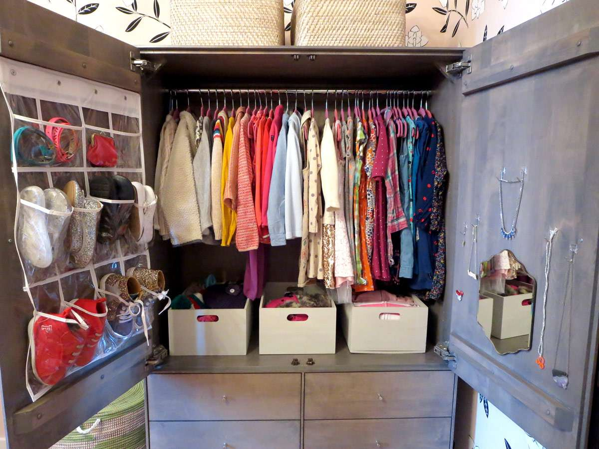 Wardrobe with boxes for storage