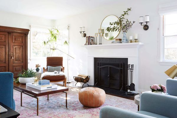 living room painted with Benjamin Moore's White Dove