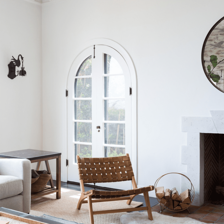 how to keep walls clean - white walls in modern living room