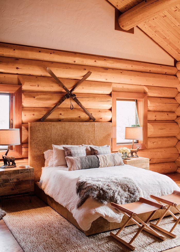 Cabin bedroom décor