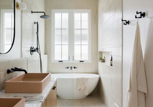 Modern, sleek bathroom in shades of cream
