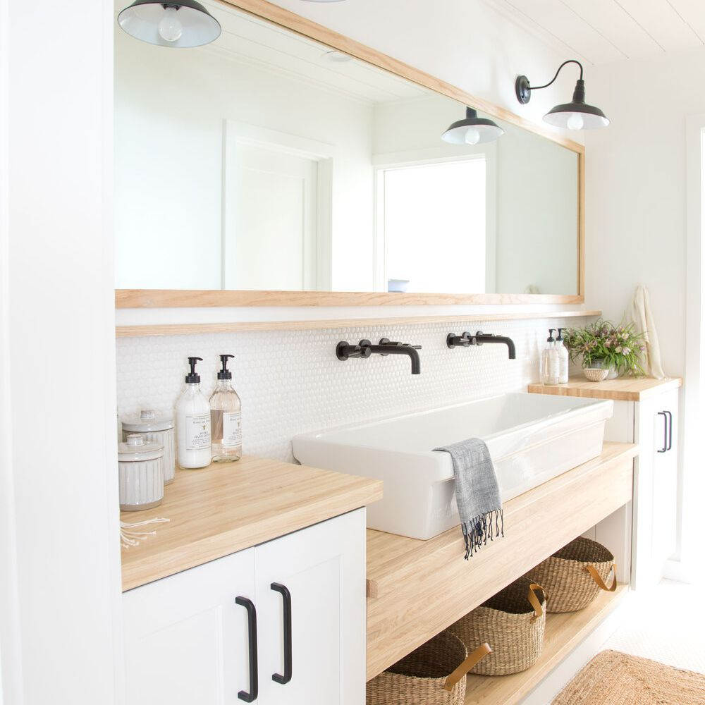 A double vanity with an extra-wide sink