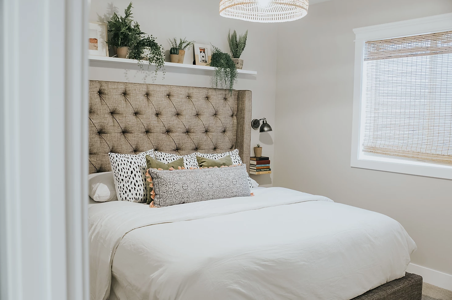 18 Nightstand Ideas To Upgrade Any Bedroom
