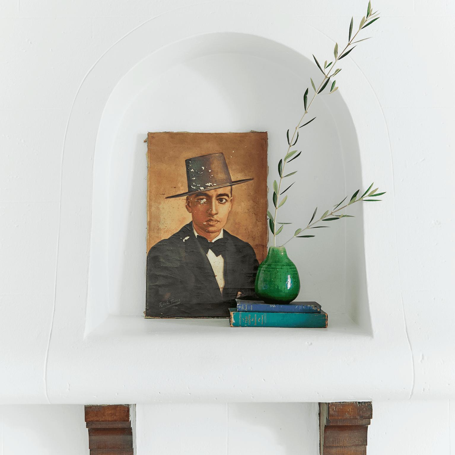 Arte vintage en el salón de Michael Keck en Los Ángeles