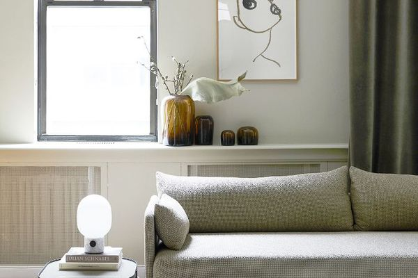 Inside A Scandinavian Inspired Nyc Apartment That S 100 Pable
