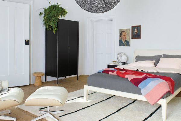 Mikkel Throw Blanket on bed