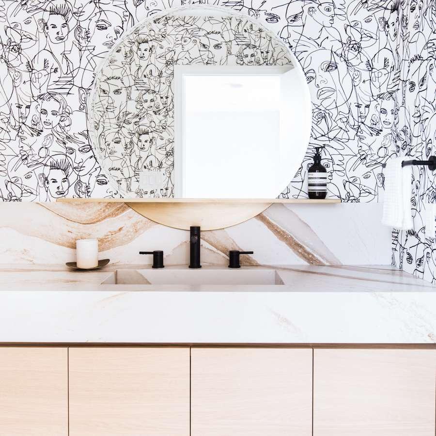 Graphic wallpaper in bathroom