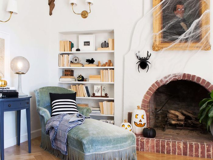Vintage-Inspired Halloween Décor