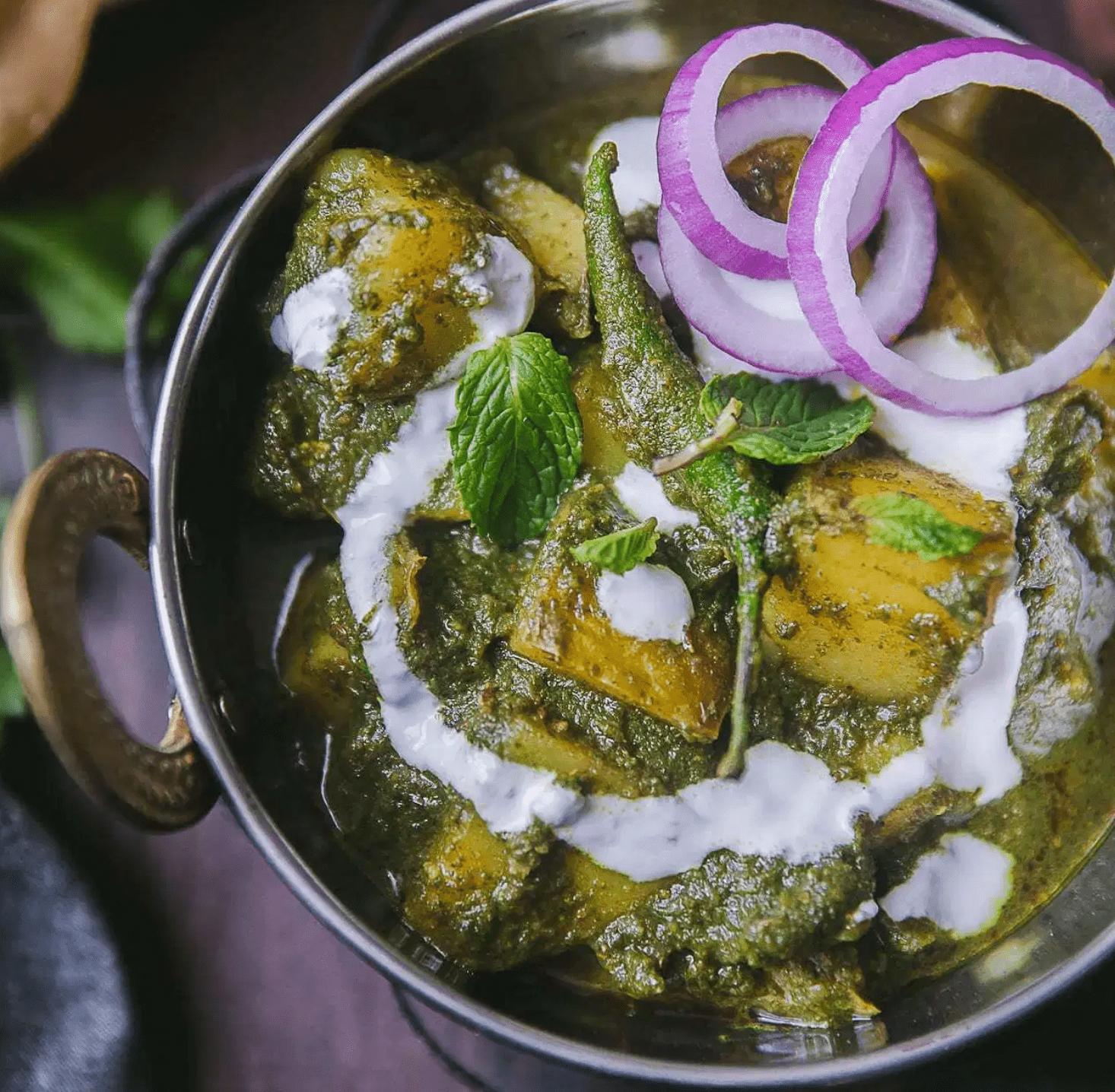 Pudina Aloo (curry de papa y menta)