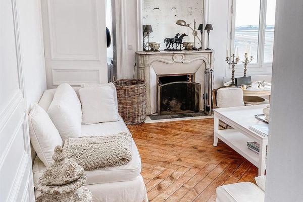 White Parisian sitting area.