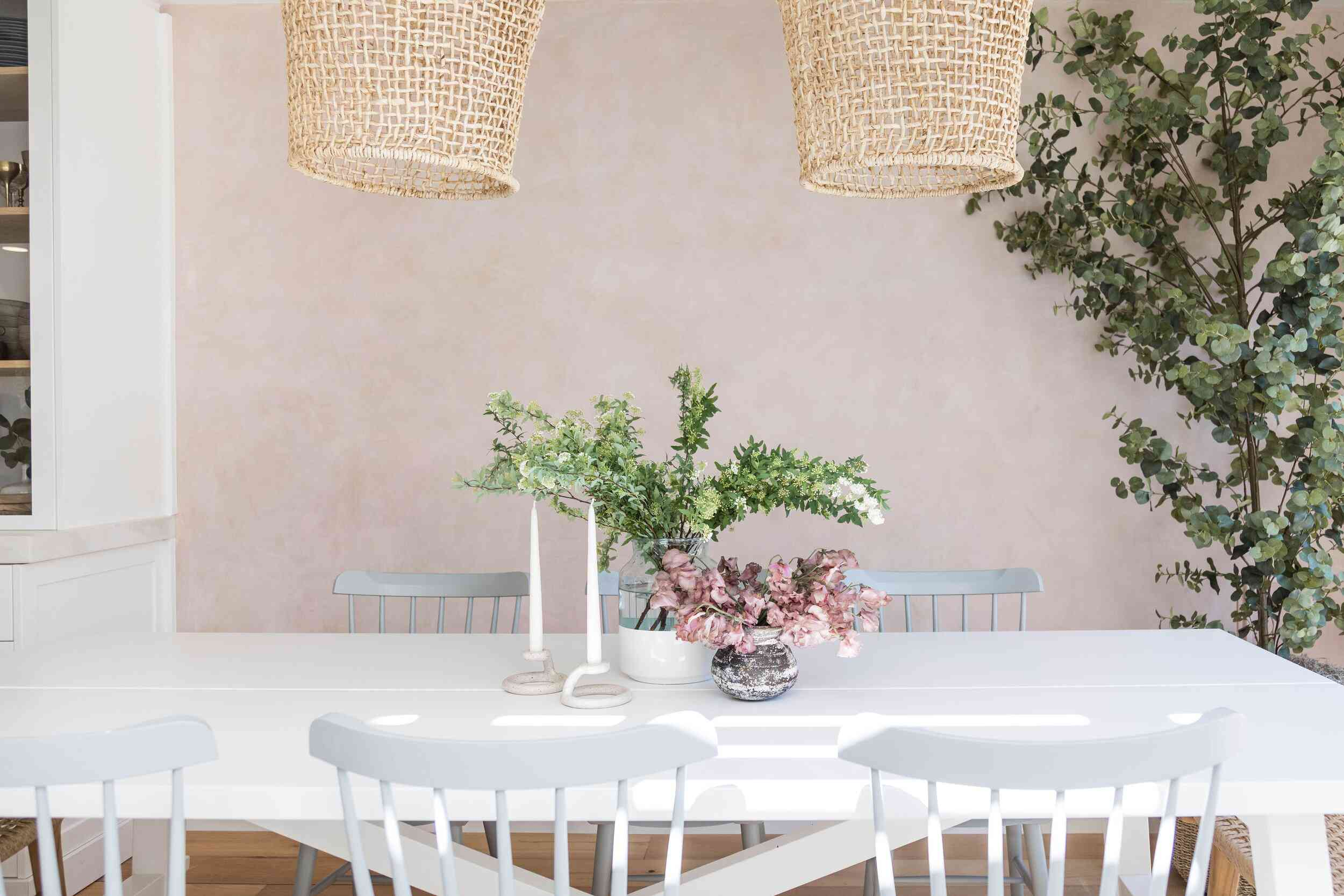 51 Simple Table Decoration Ideas You, White Centerpieces For Dining Room Table