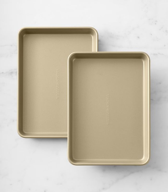 Goldtouch(R) Non-Corrugated Quarter Sheet Pan